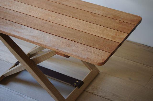 折りたたみのローテーブル第2弾です 畳んだ状態 脚を広げて 天板を乗せるだけ 真鍮の金物は Tuaregさん の 折りたたみテーブル インテリア 家具 ローテーブル