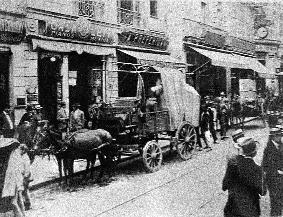 1911 - Rua XV de Novembro - Casa Levy, representante dos Pianos Pleyel, de propriedade do compositor Luís Levy, irmão do compositor Alexandre Levy.