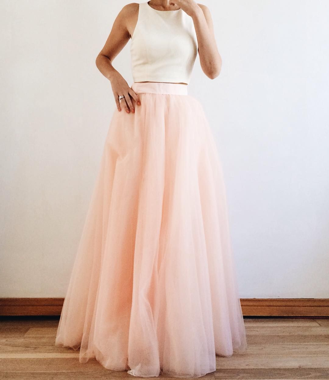 Wedding gown with red accents  Pin by Isabella Audetat on Prommmm  Pinterest  Smaller waist Prom