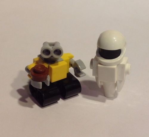 lego custom wall e and eve minifigures ebay legos. Black Bedroom Furniture Sets. Home Design Ideas