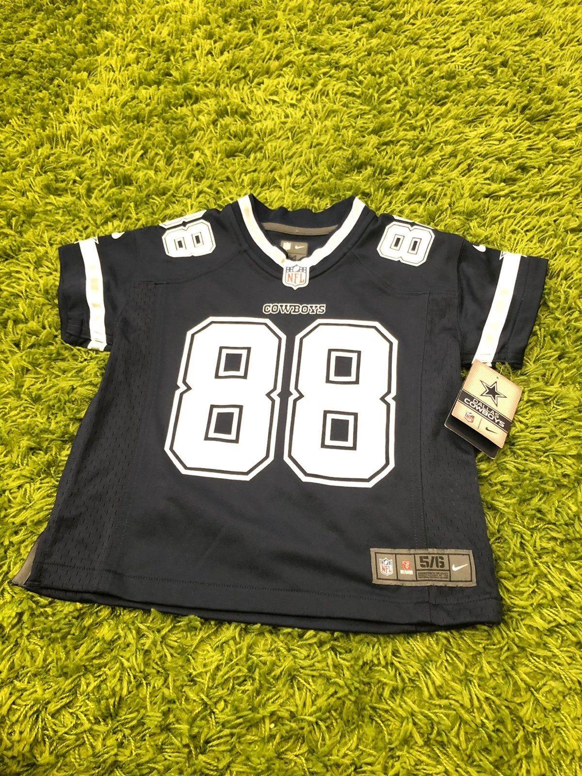 Dallas Cowboys Dez Bryant NFL Jersey Size Medium Ages 56