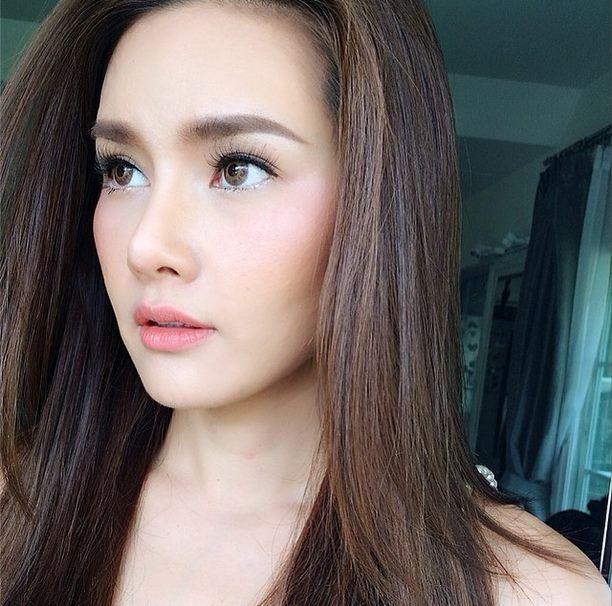 natural makeup look ; Thai atress Yayaying