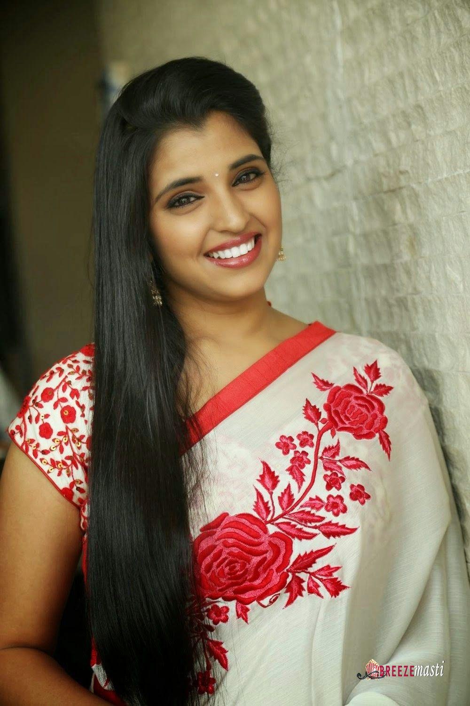 pin on long hair with saree