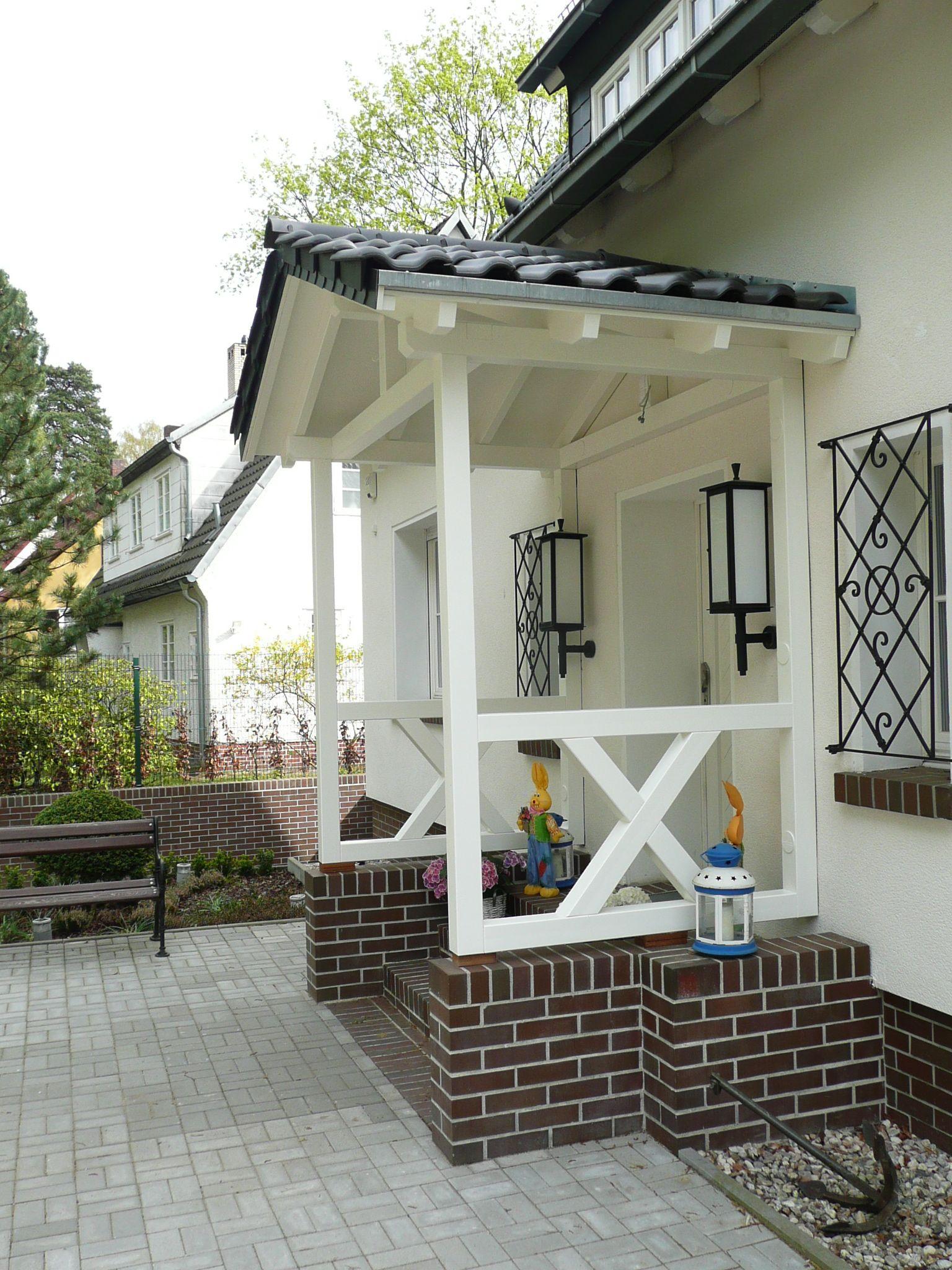 Vordach mit Satteldach über Hauseingang  #Überdachungterrasse