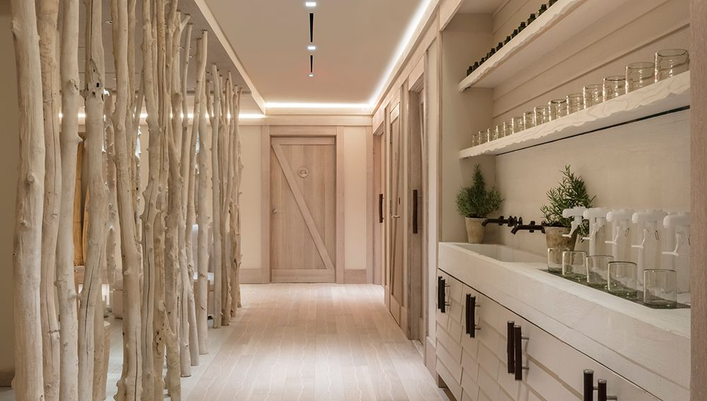 Bamford Haybarn Spa 1 Hotel South Beach Robb Report In 2020 Spa Relaxation Room Spa Decor Treatment Rooms