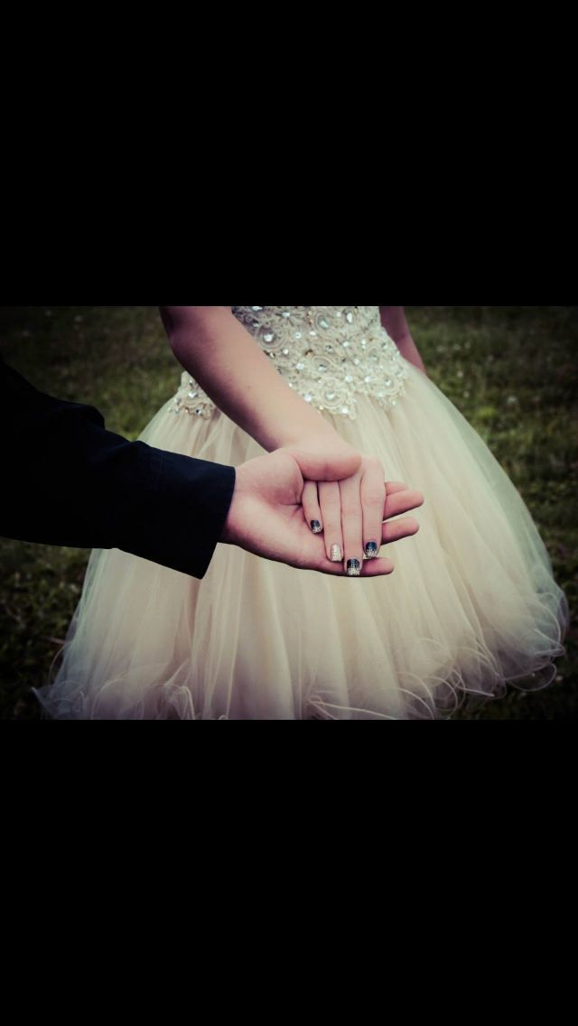 Cute #pose for #prom or #homecoming www.facebook.com/modernmuse #photography #promgoals #promphotographyposes