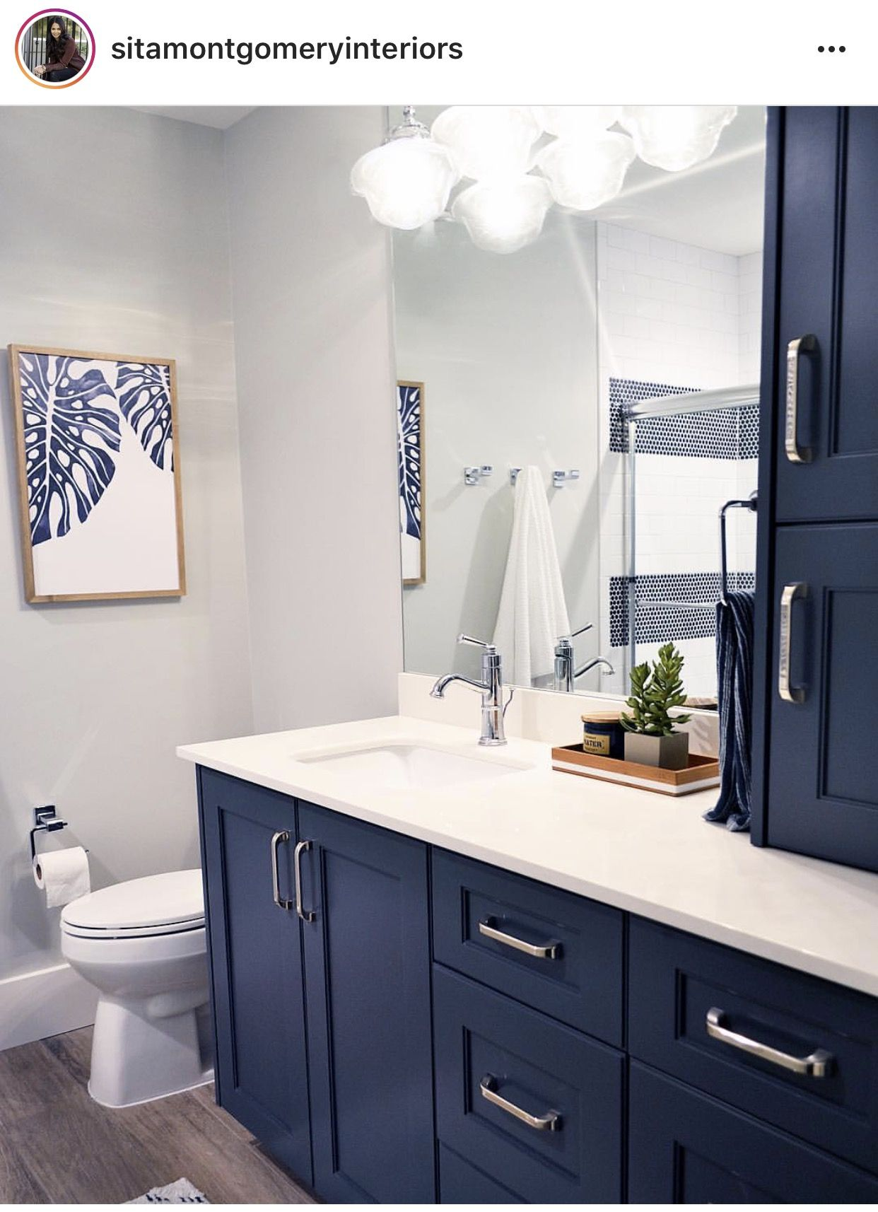 Hale Navy Grey Owl Benjamin Moore Blue Bathroom Decor Bathroom Interior Design Blue Bathroom