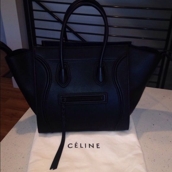 Black Celine Bag  amazing beautiful bag  amazing condition , text for details 8507604319  Celine Bags