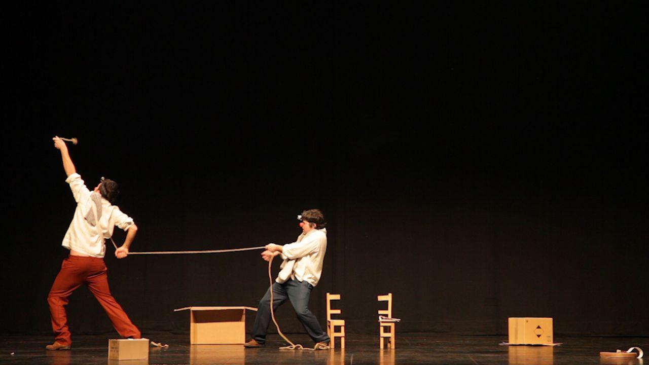 No sólo el teatro si no el juego dramático promueven en los niños y jóvenes  el desarrollo de la sensibilidad artística,