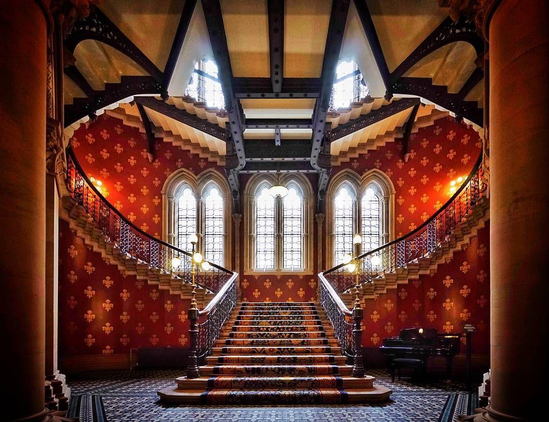 S t a i r c a s e  #pure #symmetry #stpancrashotel #London #fairytale  Gorgeous space   #theworldneedsmorespiralstaircases #architecture #archidaily #archilovers #archiporn #symmetrykillers #agameoftones #vscophile #London #london4all #igerslondon #thisisLondon #timeoutlondon #londonlive #visitlondon #shutup_London #Londonforyou #vscolondon #thebigsmokelondon #traverselondon #toplondonphoto #unlimitedlondon