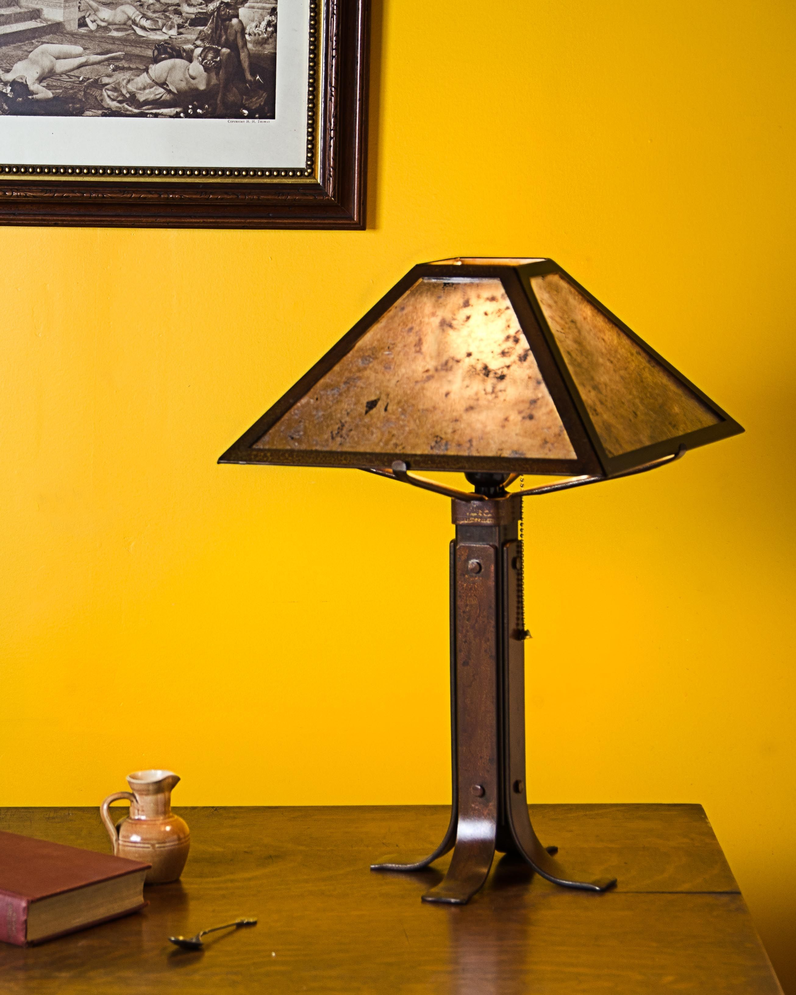 Broadleaf Shade With Clear Silver Mica Nagoya Brown Finish With Images Craftsman Style Table Table Lamp Lamp