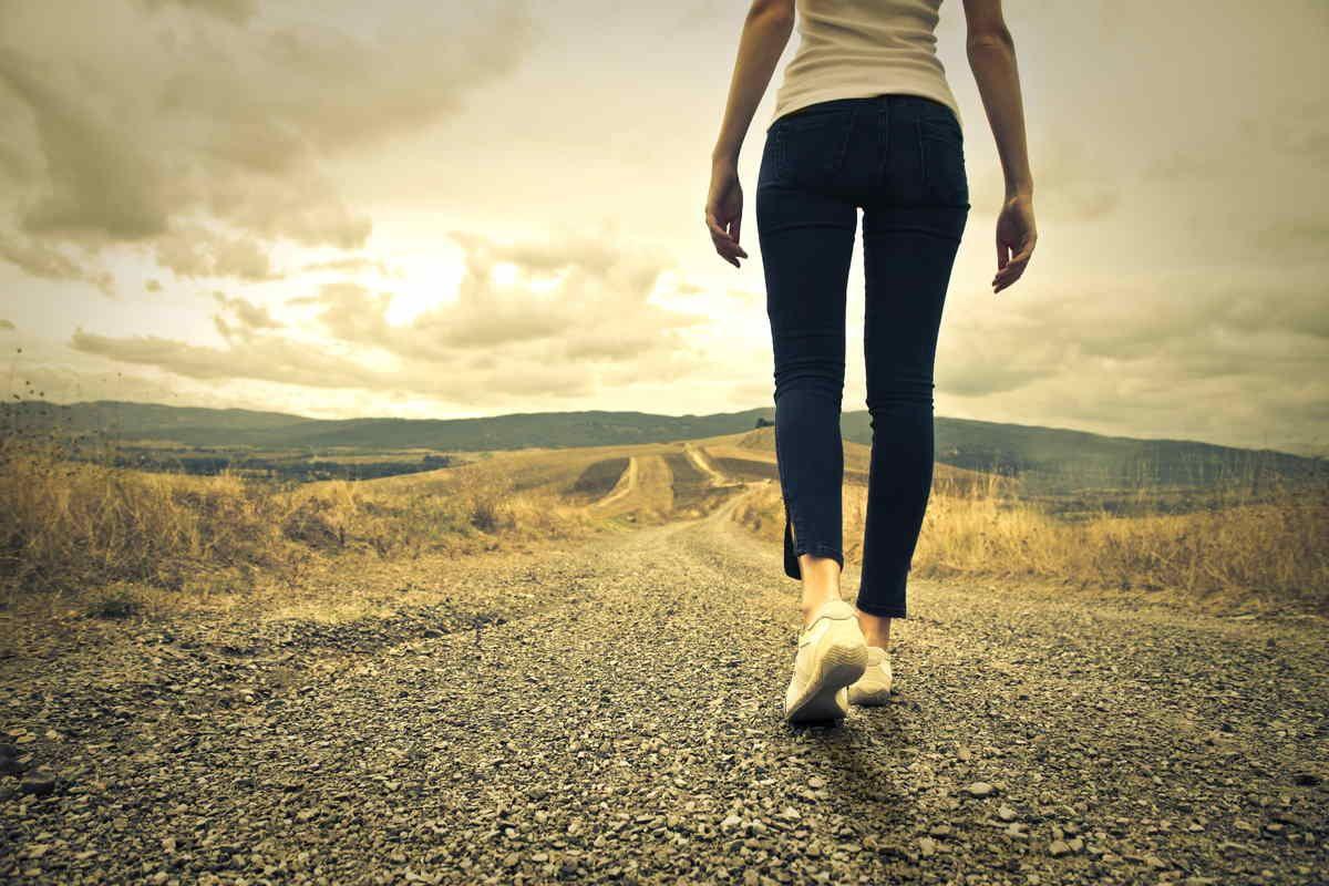 Camminare: 10 motivi per farlo almeno 30 minuti al giorno – GreenMe.it