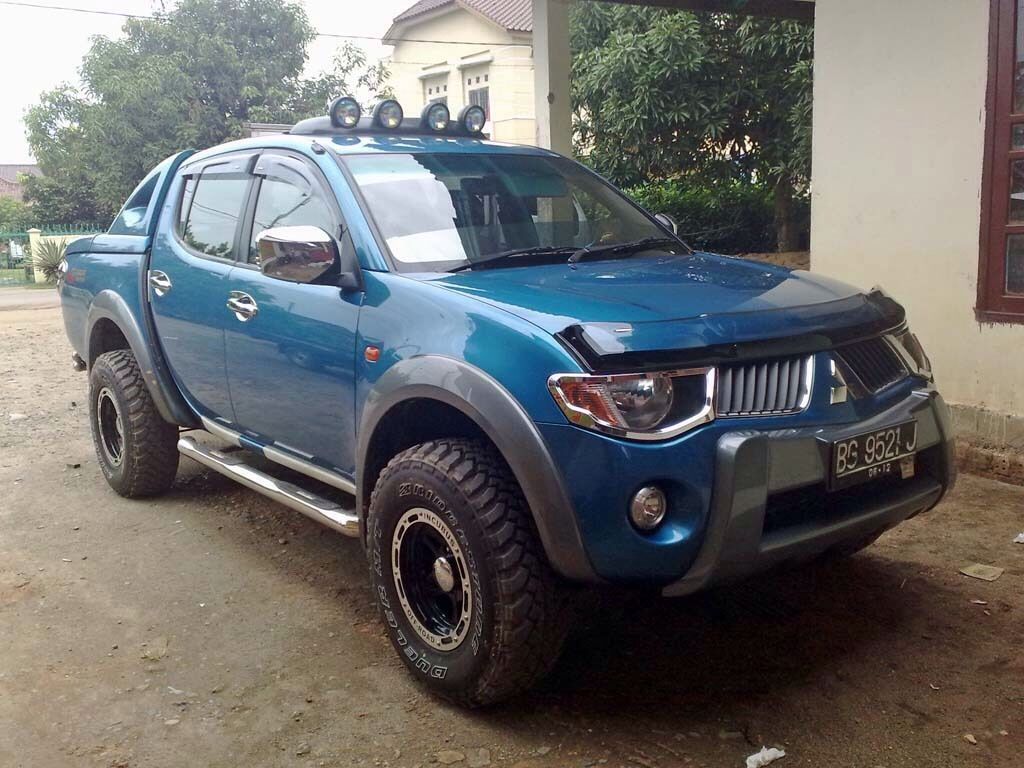 mitsubishi triton modified l200 triton. Black Bedroom Furniture Sets. Home Design Ideas