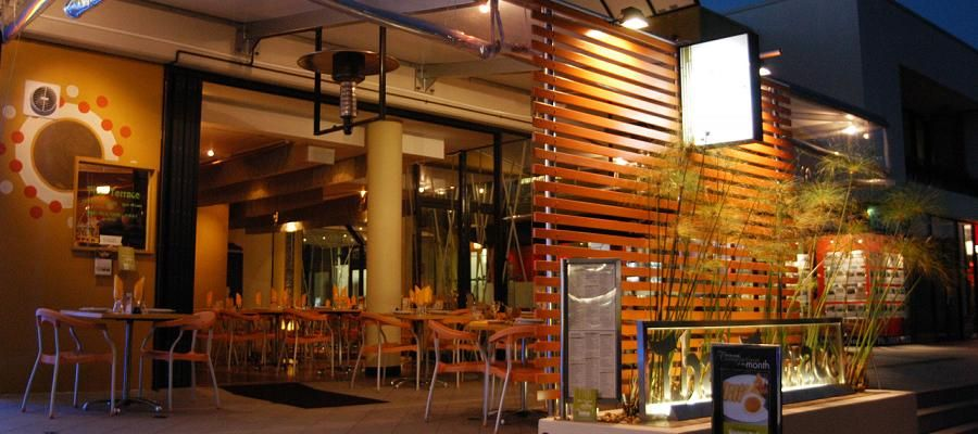 Refreshing thai terrace for tropical exterior powerful for Exterior restaurant design