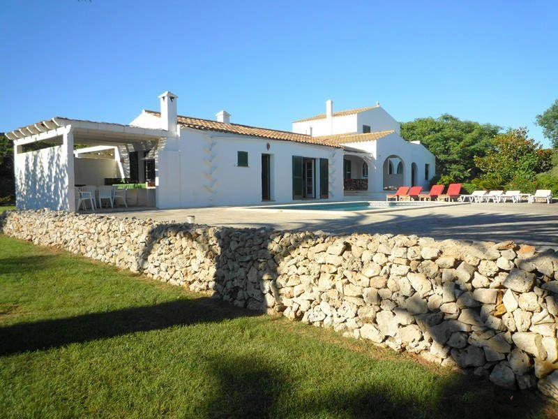 Foto Casa De Campo Casa Sabarraca Alquiler Menorca Que Tal Buscando Casa Me Encontre Con Este Sitio De Alquiler De Villas Villa De Lujo Isla De Menorca Casas