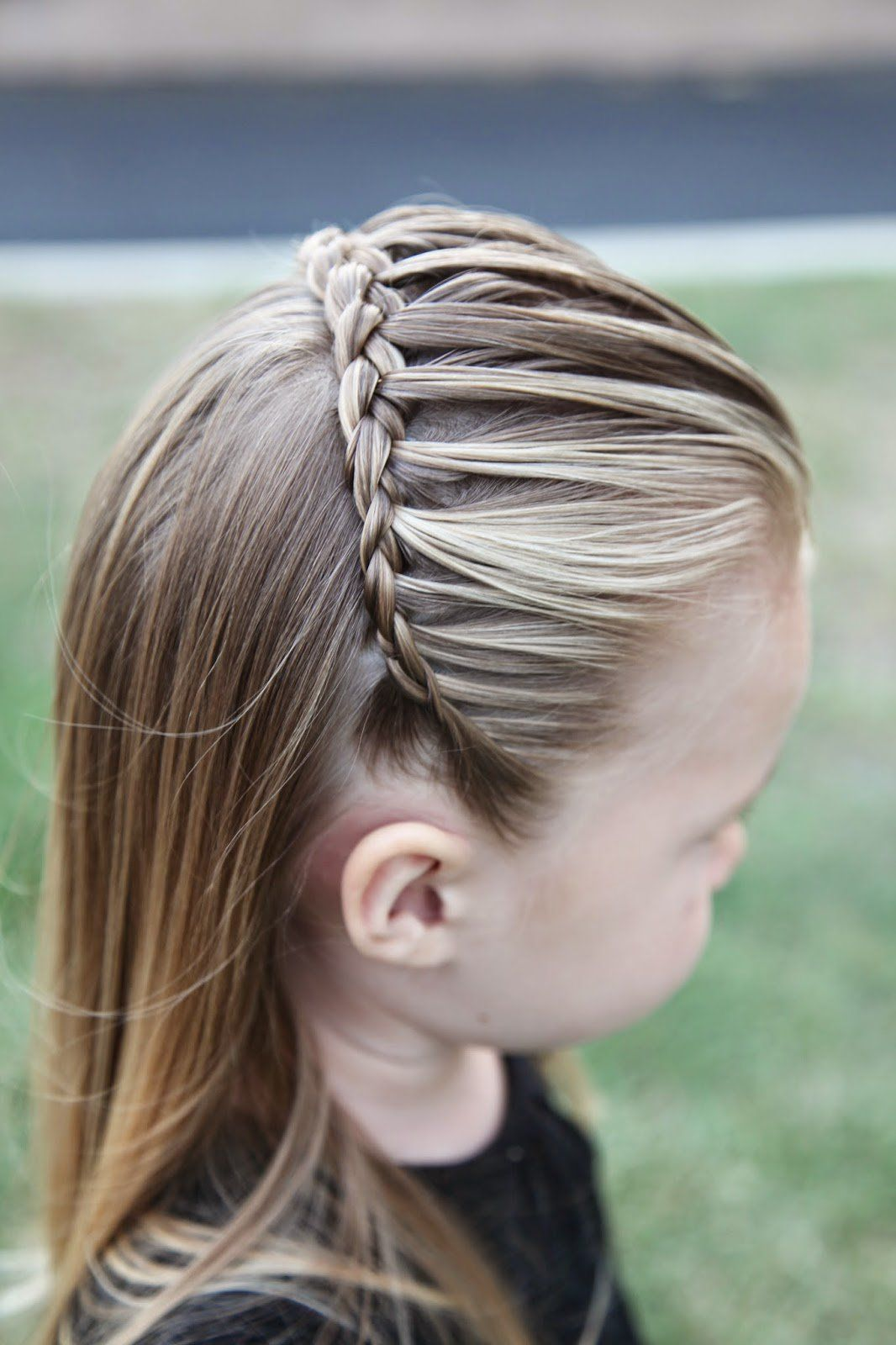 25 little girl hairstylesyou can do yourself pinterest girl 25 little girl hairstylesyou can do yourself get out of your hairstyle rut and do something a little more fun via make it and love it solutioingenieria Choice Image