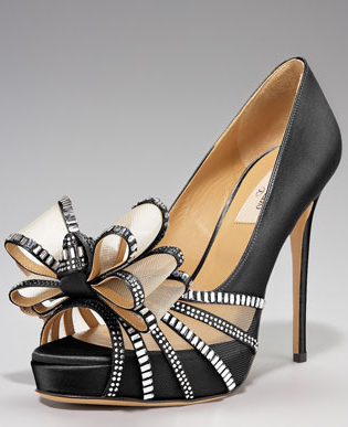 2b0318c0afc7f Valentino  These Shoes are gorgeous love the rhinestone bow!! Black and  Beige sexy color combo