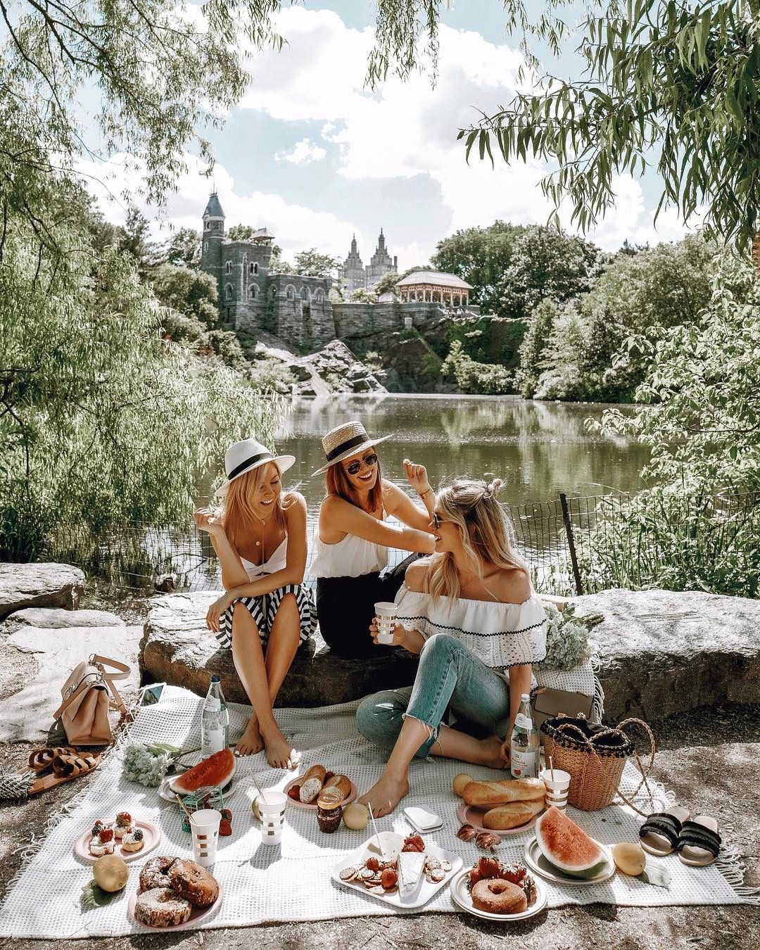 Laurie Ferraro (@theruecollective) on Instagram: Central Park Picnic #mygirl