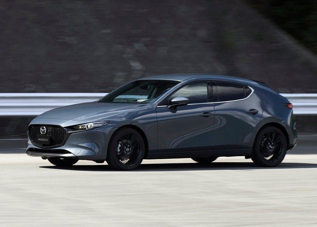 El Mazda 3 Hatchback Ya Esta Disponible En Polymetal Gray Para Mexico Mazda 3 Hatchback Mazda 3 Mazda