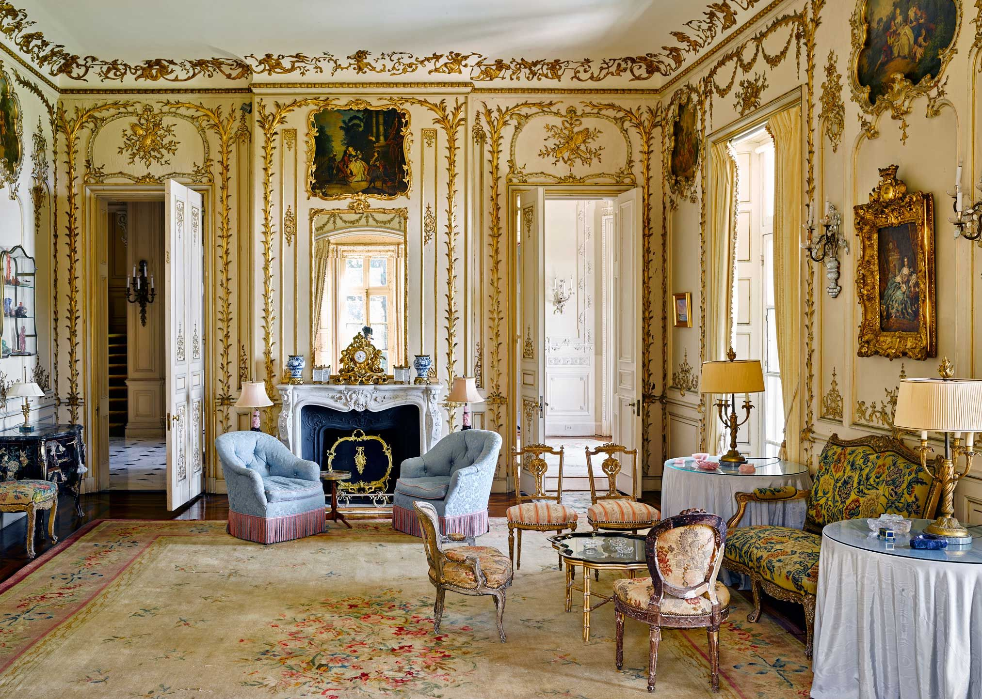 A Formal Living Room In Beaulieu, A Newport Cottage Previously Owned By  Wiley T.
