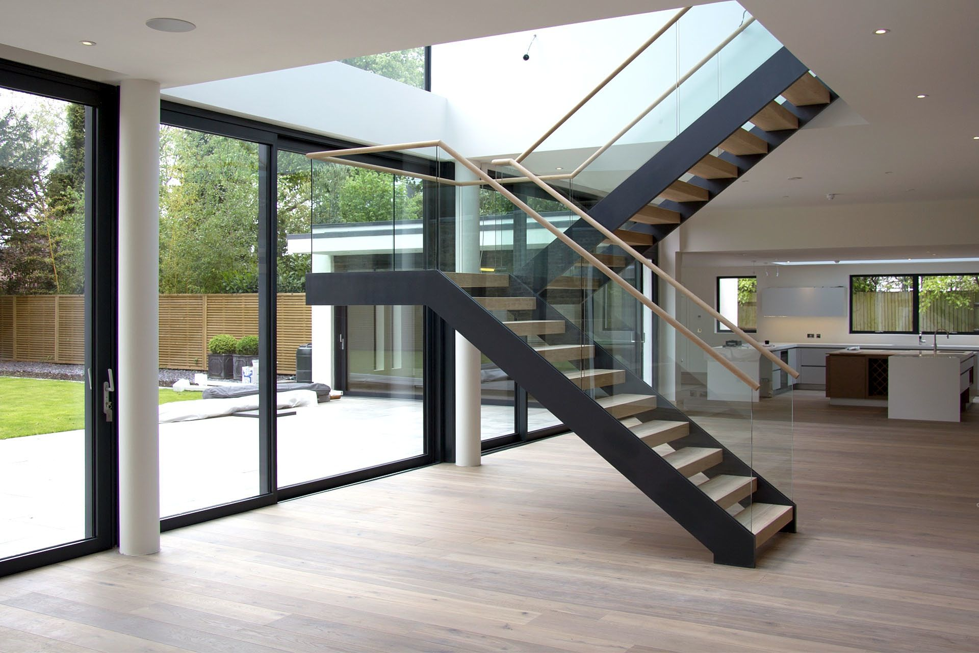 Simple Modern Stairs | Good Looking Design Floating Staircase Ideas