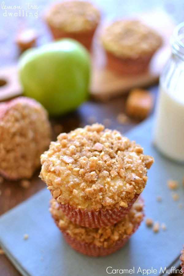 Caramel Apple Muffins - stuffed with caramel and topped with peanut streusel! Yum!!