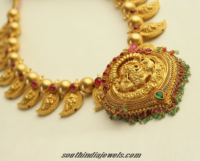 Traditional Gold necklace model Gold necklaces Traditional and