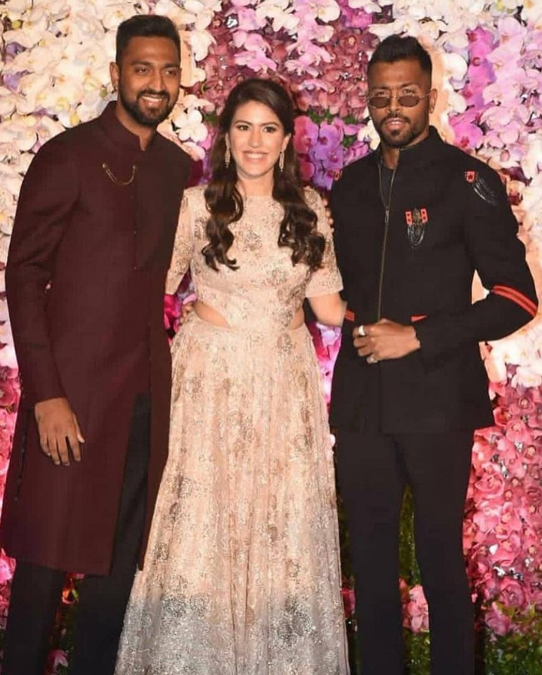 Krunalpandya Hardikpandya Arrives At The Wedding Party Of Akashambani And Shlokamehta In Mumba Bollywood Celebrities Celebrity Weddings Bollywood Fashion