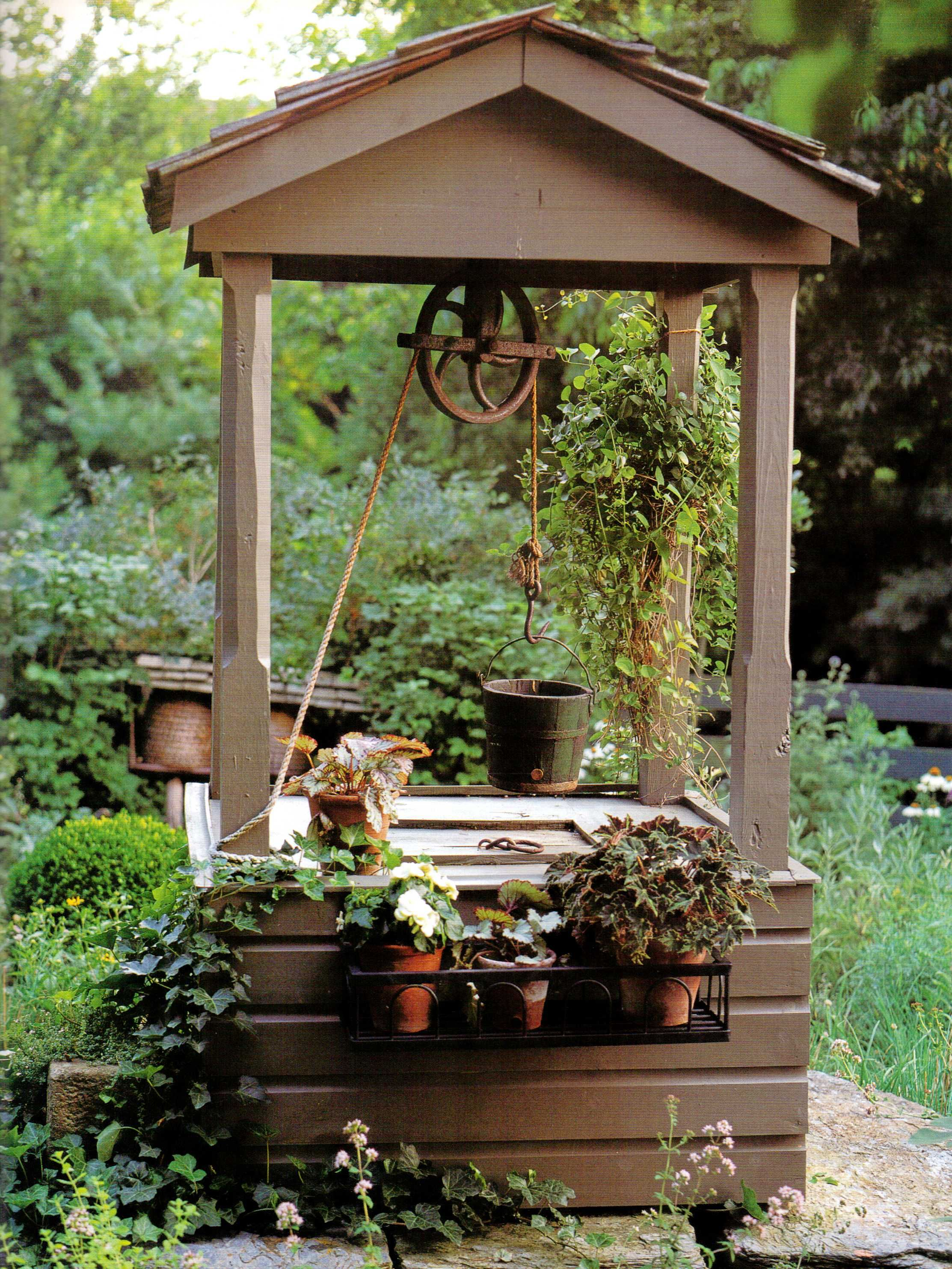 Garden designs with bridges and wishing wells landscaping ideas - Very Cool Old Fashioned Well