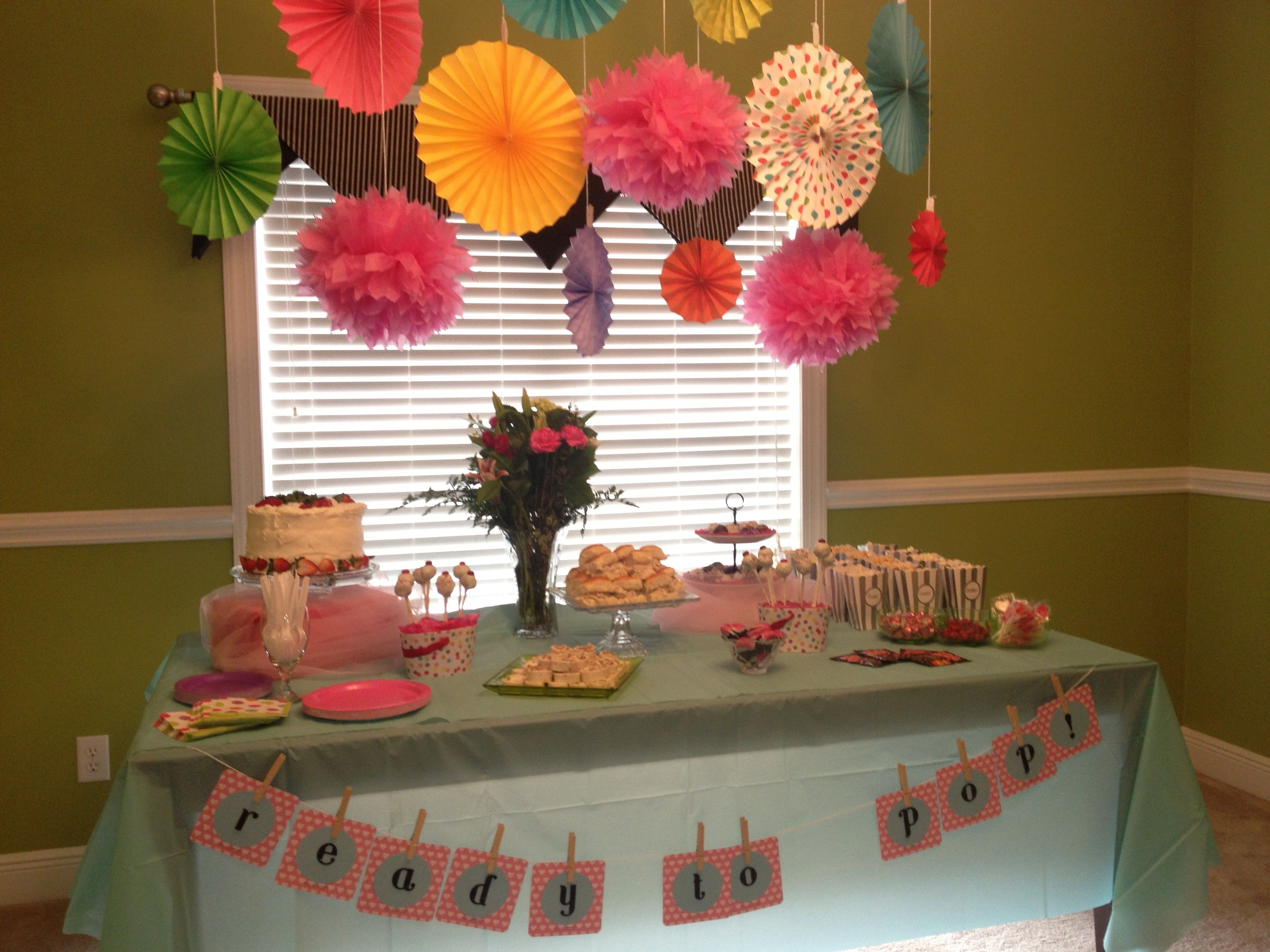 Baby Shower Themes Ready To Pop ~ Babyshower like the things hanging from the ceiling showers