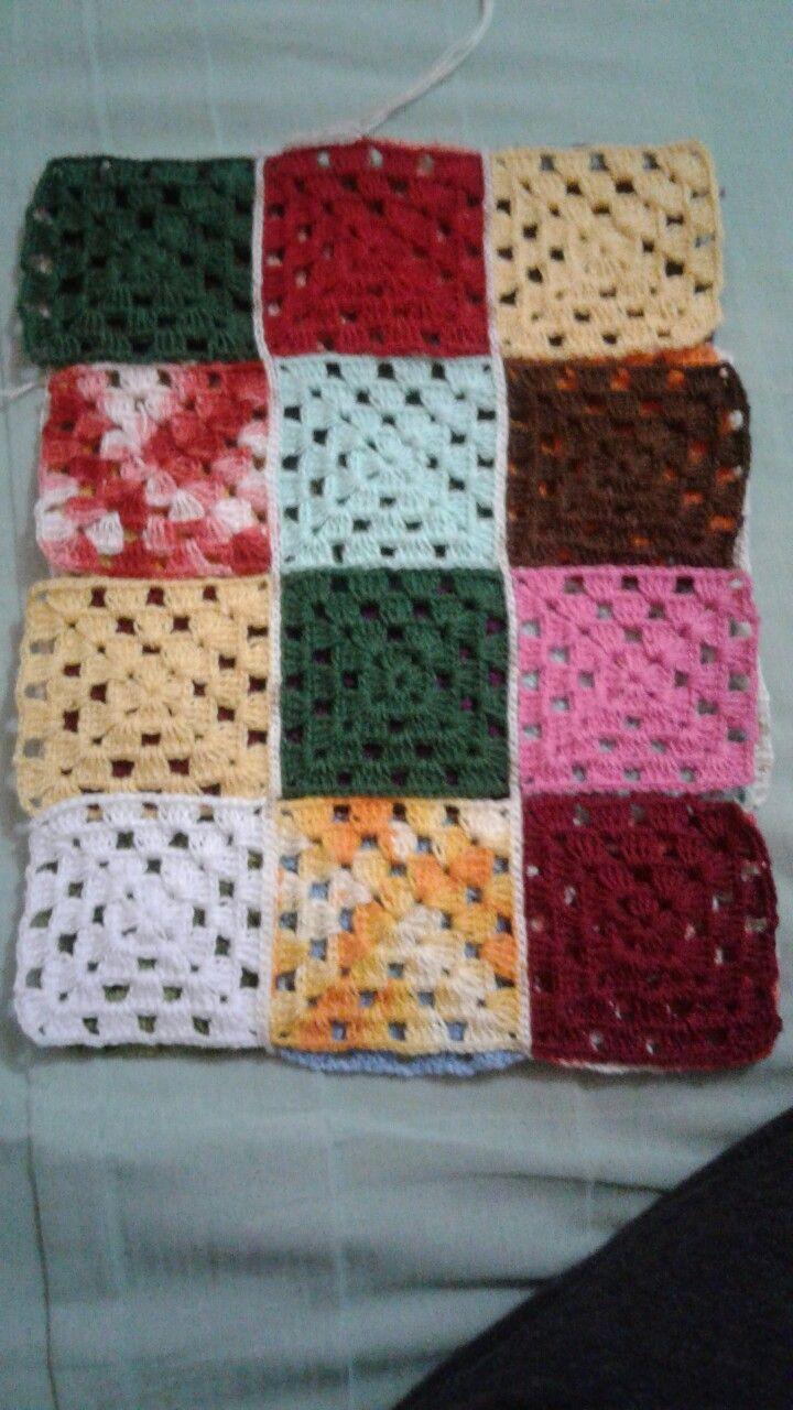Juntando quadrados de crochê