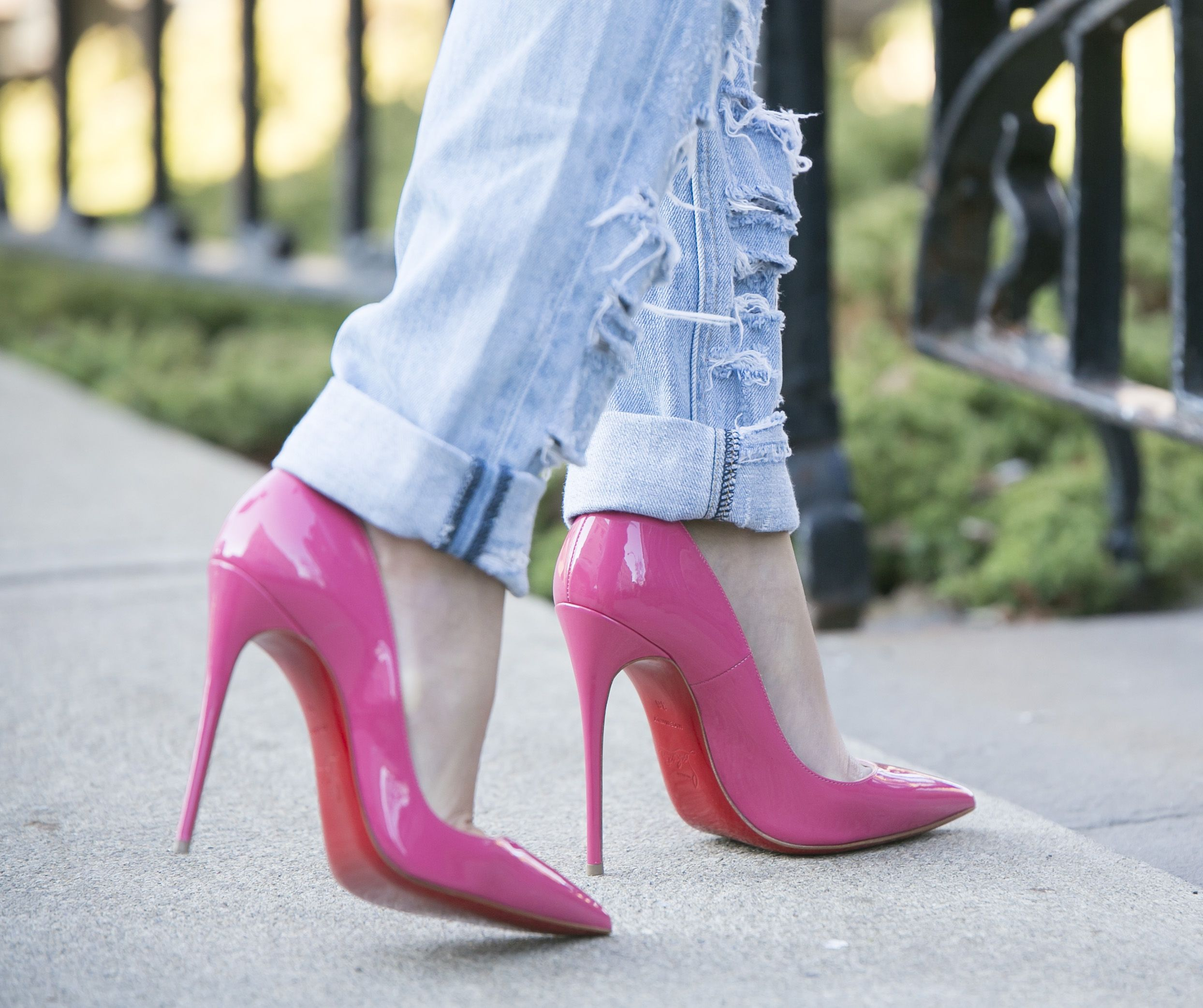 acheter populaire a392b 62fd4 Christian Louboutin pink so kate pumps @louboutinworld ...