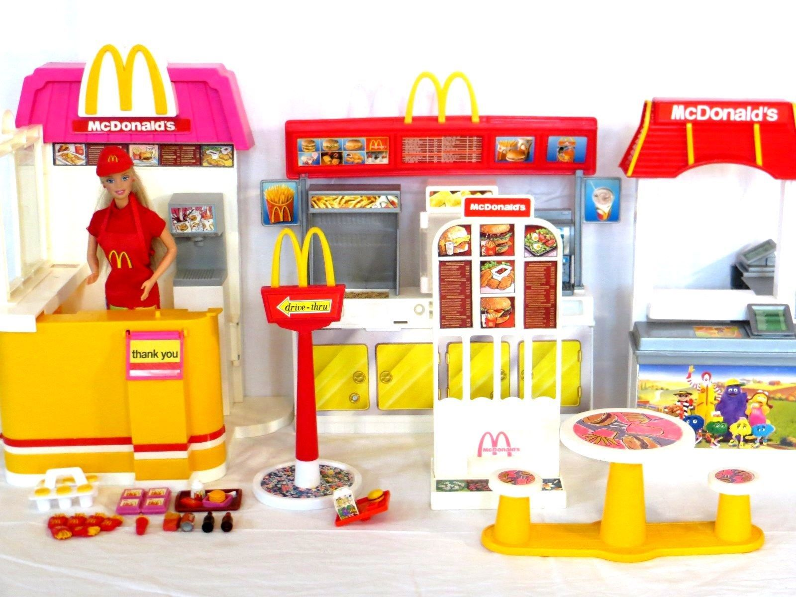 barbie mcdonald 39 s play sets from 1993 and 2003 with barbie in mcdonald 39 s uniform i bought this. Black Bedroom Furniture Sets. Home Design Ideas
