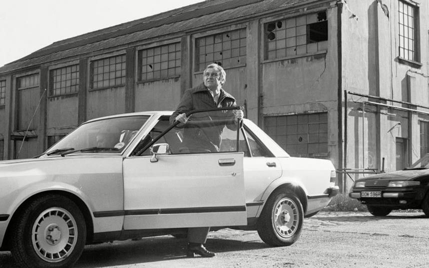 Popular British Tv Crime Dramas The Sweeney Ford Granada Dennis Waterman