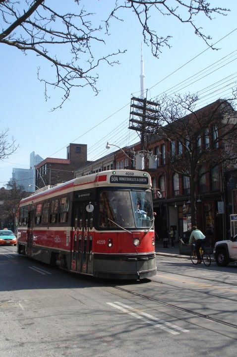 An alternate to the popular 501 Queen route is the 508 Lakeshore, which weaves along the southern end of the city. From Eau du Soleil, it runs across Lakeshore Boulevard, The Queensway and King Street before finishing up in the area of King Street East and Church Street.