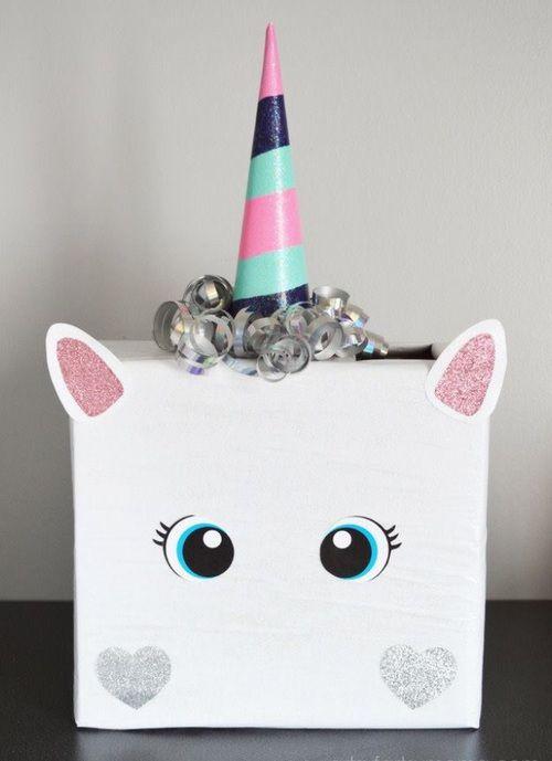 Unicornio hecho con caja para decorar Manualidades para Cumpleaos