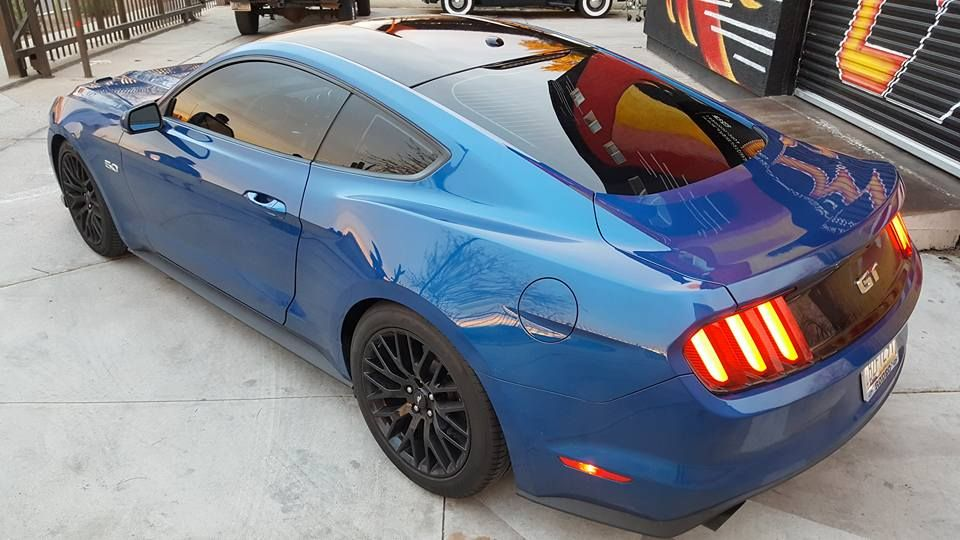 2017 mustang 50 gloss black roof vinyl wrap with 20