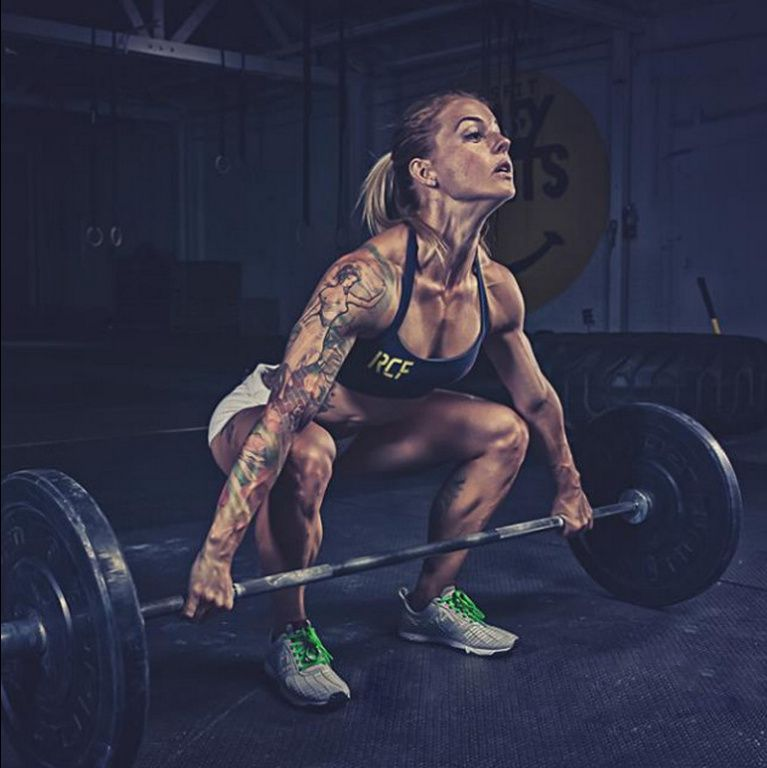 Crossfitters Christmas Abbott By Simply Perfection Photography Workout Pictures Crossfit Christmas Abbott