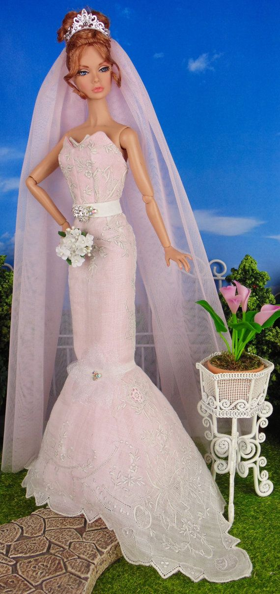 Bridal Blush by HankieChic. Save 10% off any Hankie Chic order by using coupon code Sale4U.