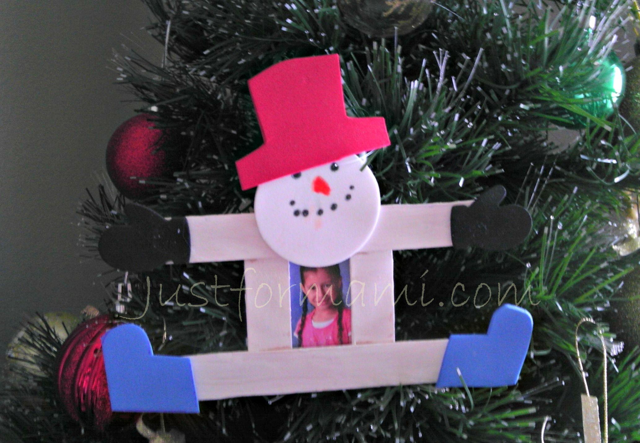 Snowman hecho con paletas diy navidad manualidades for Cosas para hacer de navidad faciles