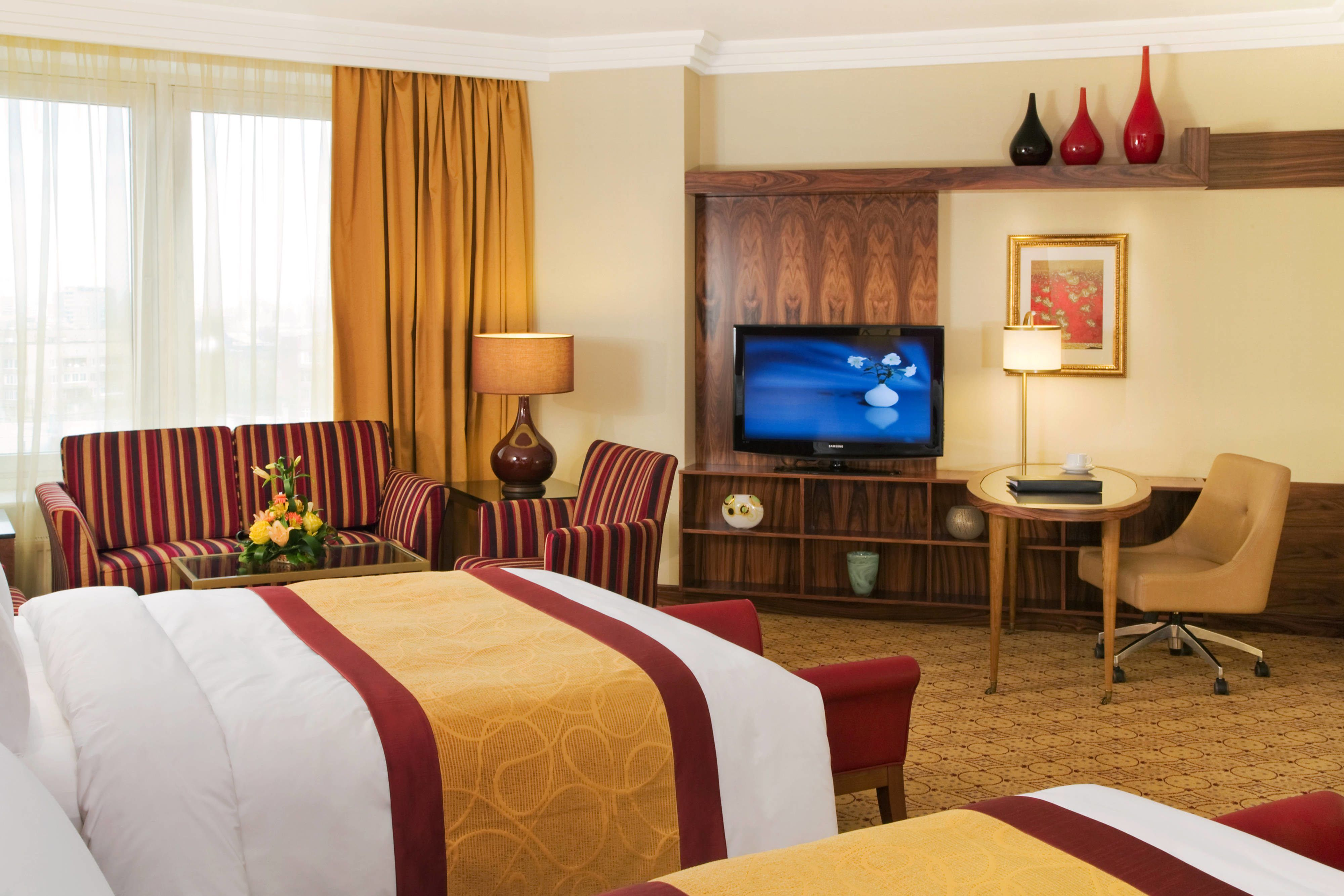 Hotel Room Germs Abound on TV Remotes, Light Switches