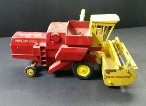VINTAGE-1960S-ERTL-DIECAST-NEW-HOLLAND-SPERRY-RAND-COMBINE-1-16-FARM-TOY