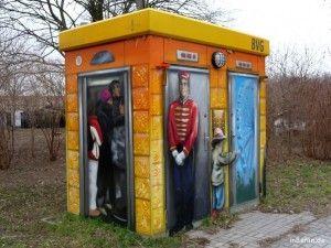 Fundstuck Buntes Toiletten Hauschen Der Bvg Blog Inberlin Toiletten Haus Bunt