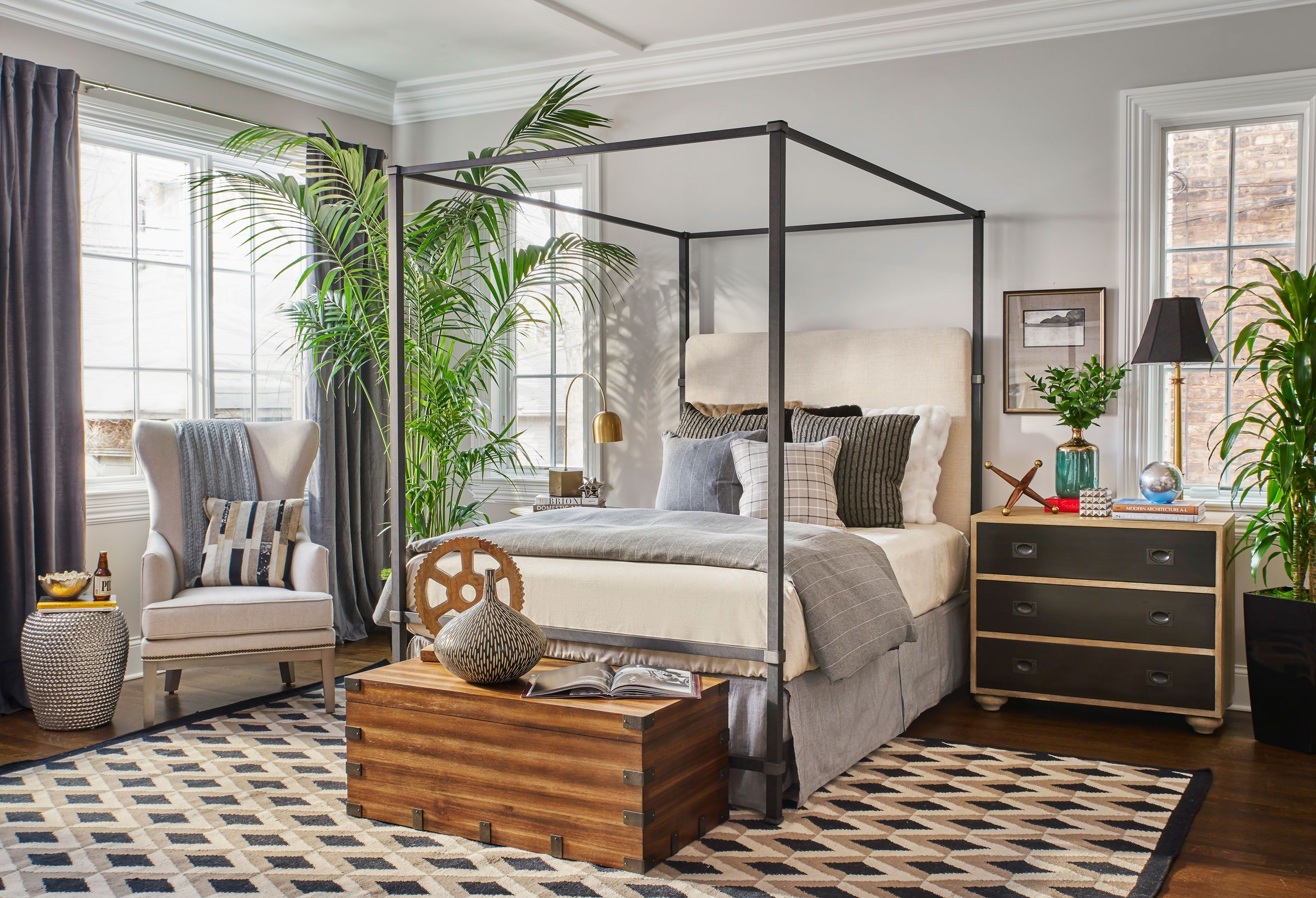 Flipping Out S Jeff Lewis Shares Interior Design Ideas For Every Room In Your House Jeff Lewis Bedroom Design Quality Living Room Furniture Jeff Lewis Bedroom