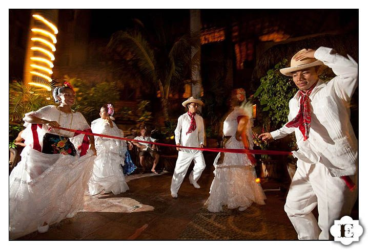 You Can See The Amazing Mexican Traditional Dance And Dancers At Wedding