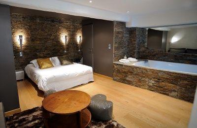 Perceval spa lyon cool room week end lyon romantique nuit for Ideal hotel design chambre jacuzzi