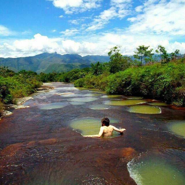 Jacuzzis Naturales de la quebrada Las Gachas - Guadalupe, Santander, Colombia