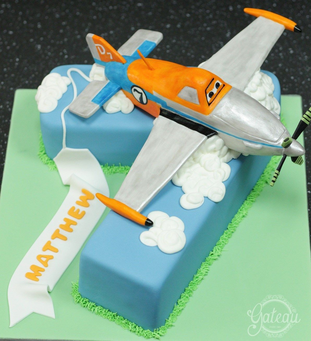 Dusty Crophopper Planes Theme Cake
