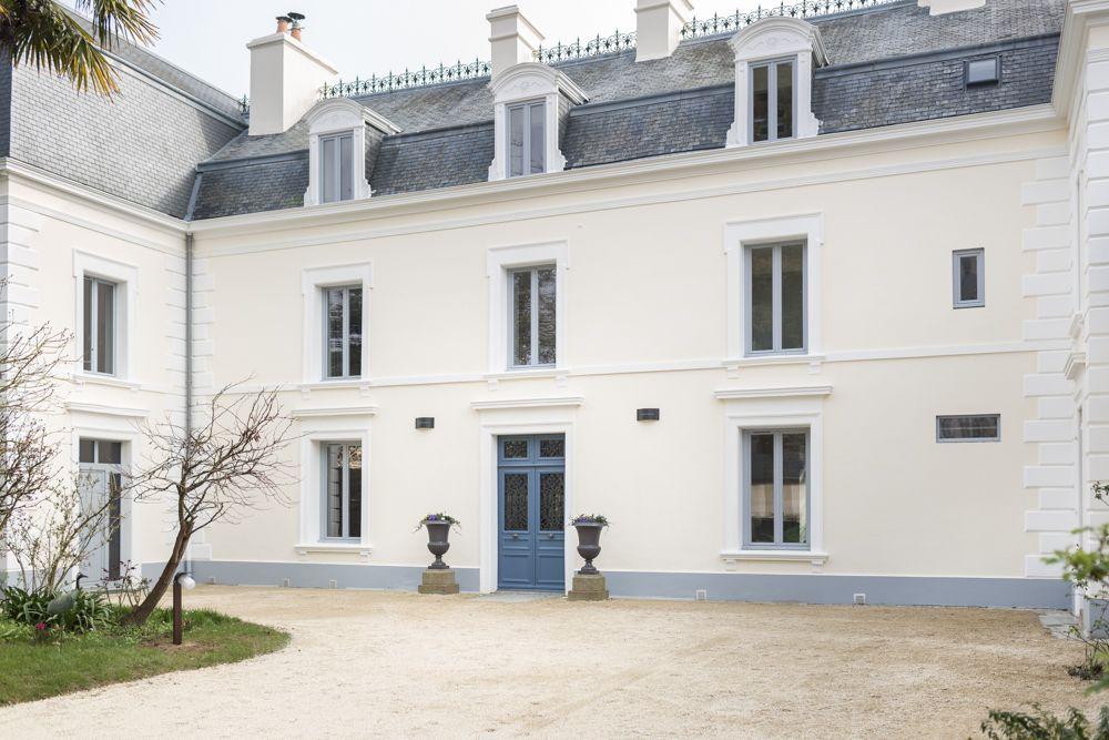 Facade Entree Villa Saint Raphael Chambres D Hotes A Saint Malo
