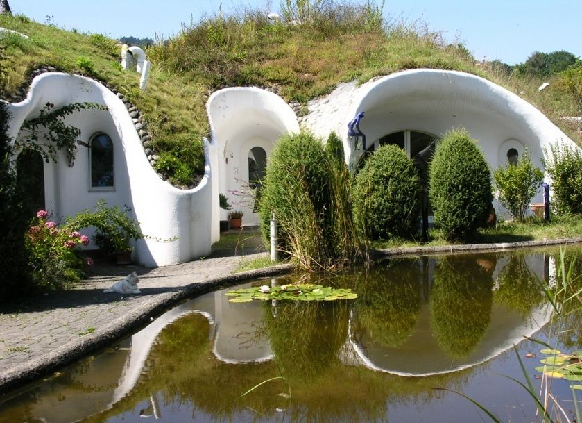 dig these 6 awesome underground homes cozy homes underground rh pinterest com